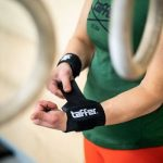 How to wear wrist wraps